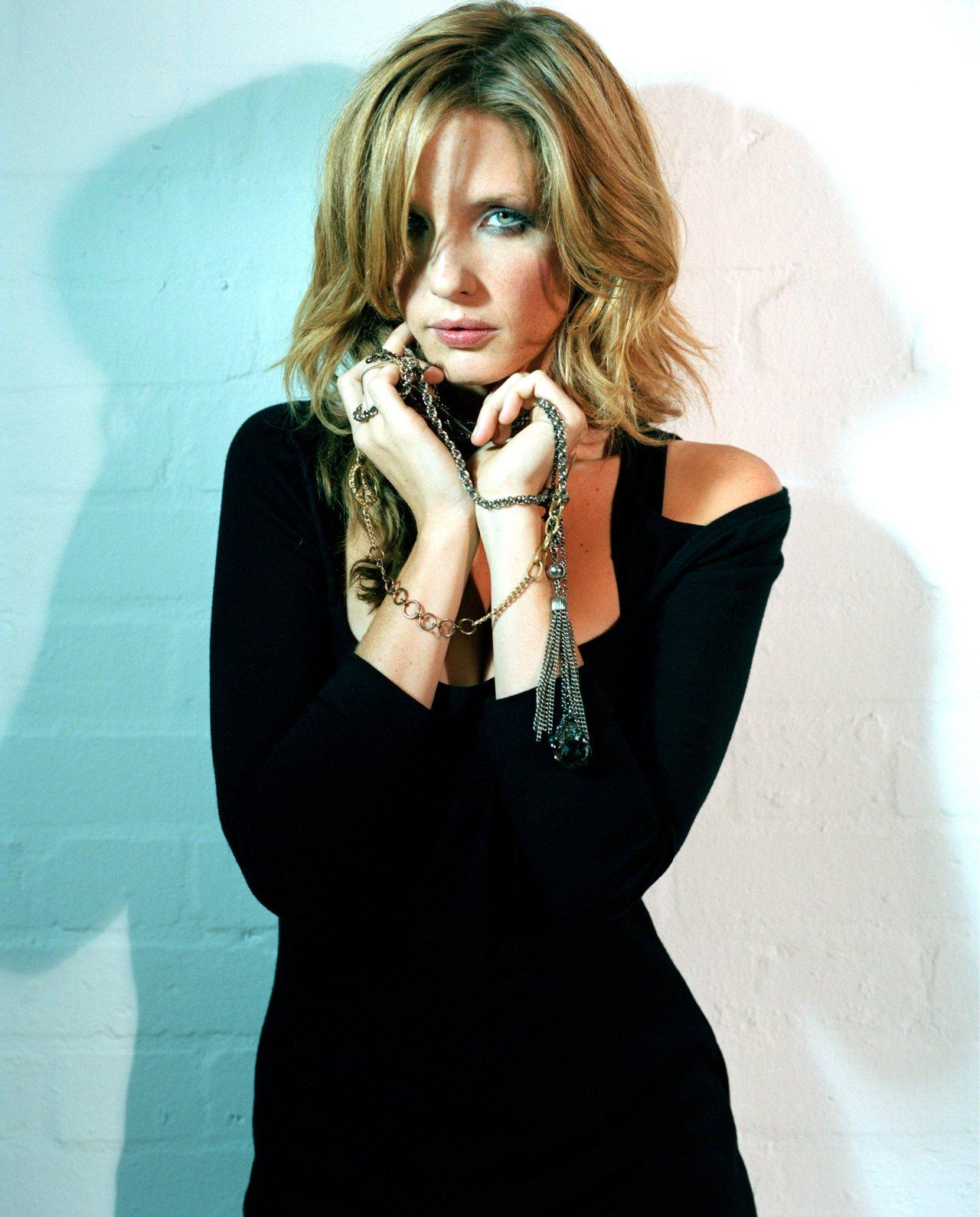 Kelly Moriarty Hair Kelly Reilly Celebritypictures In