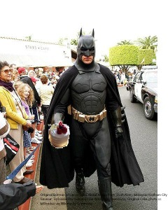 Gotham_City_Saviour_with cake 2